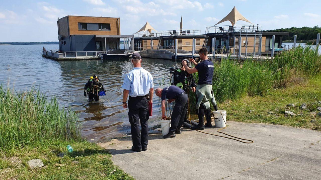 Feuerwehr der LEAG bei Prüfungen für Einsatztaucher
